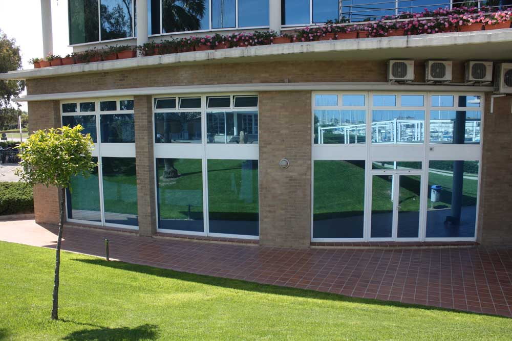 La sede della Dinghy Academy a Valencia. Foto Tognozzi