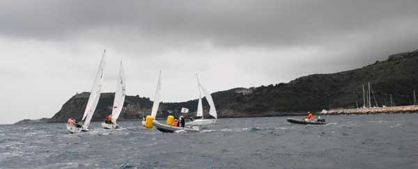 C21 in azione a Cala Galera