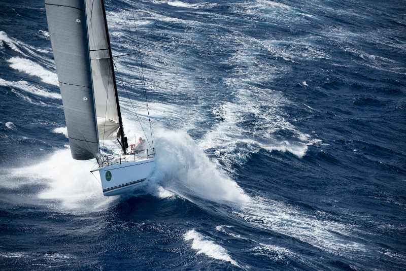 Wild Joe su un'onda in approccio a Malta. Foto Arrigo/Rolex