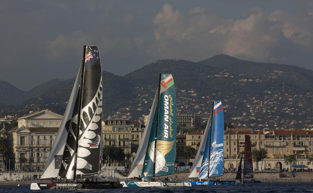 Gli Extreme 40 in regata oggi a Nizza. Foto Lloyd Images