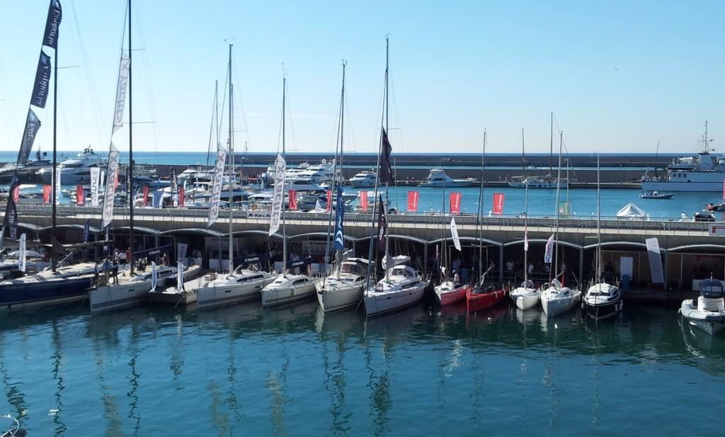 Le imbarcazioni a motore sono state ormaggiate alle spalle del Marina 1. Le banchine erano meno affollate