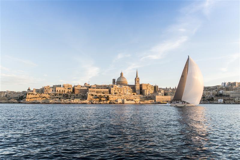 Uno degli arrivi del 2013 alla Valletta. Foto Arrigo Rolex