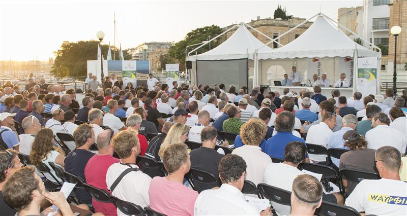 Il briefing di oggi al Royal Malta Yacht Club. Foto Arrigo