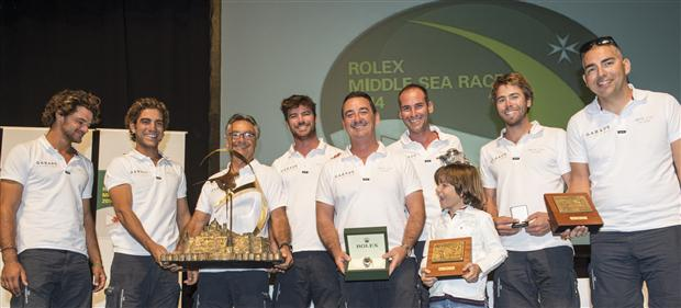L'equipaggio del J122 maltese Artie, vincitore overall della Rolex Middle Sea Race di Malta. Foto Arrigo/Rolex
