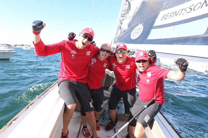 Johnioe Bergstrom con il suo equipaggio