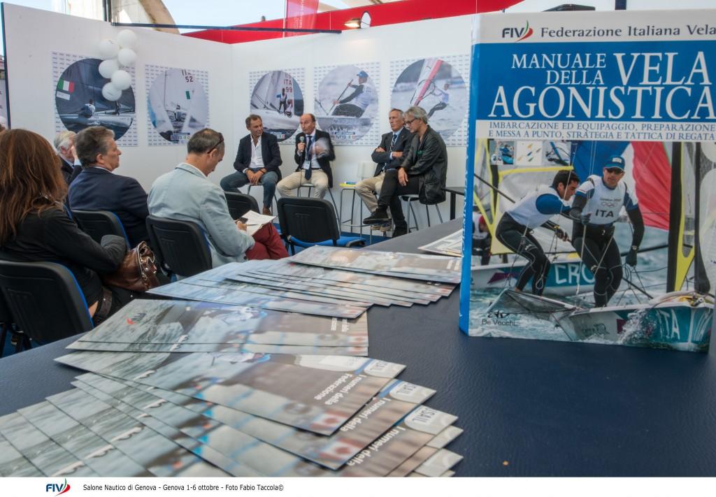 Il nuovo Manuale della Vela Agonistica, edito da Giunti Editore con il contributo fondamentale di Valentin Mankin. Foto Taccolòa/FIV