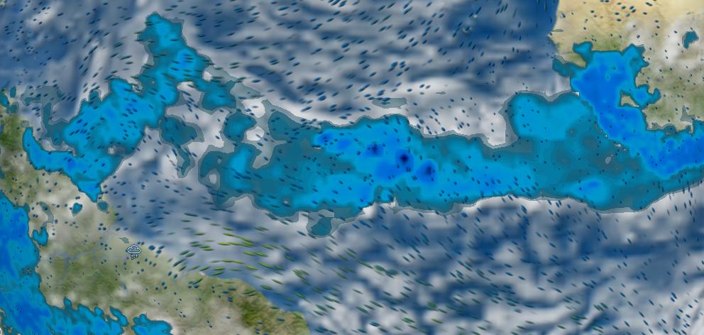 La fascia ndelle calme equatoriali, posizionata al momento tra i 3 e i 9° Nord, con la nuvolosità e i piovaschi che la caratterizzano. Sopra di essa si trova oggi la flotta, nbell'Aliseo di NE residuo. Sotto di essa l'Aliseo di Sud Est, chi lo aggancerà per primo potrebbe avere la rotta aperta verso Cape Town