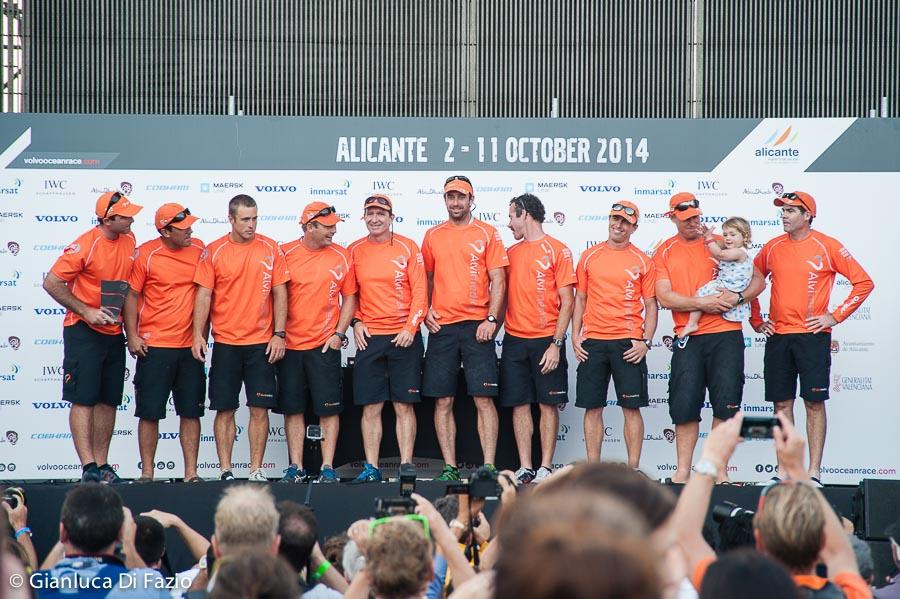 Team Alvimedica sul palco per la premiazione. Foto Di Fazio