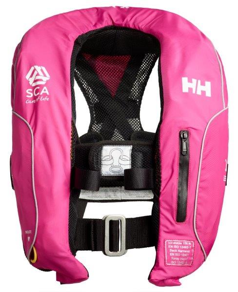 Il giubbotto di salvataggio Sterna Inflatable Life Jacket è il primo nel suo genere creato per la cassa toracica femminile con la cintura di sicurezza posta col punto di fissaggio in alto sul petto