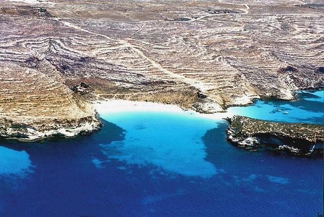 Lampedusa, la spiaggia dell'Isola dei Conigli