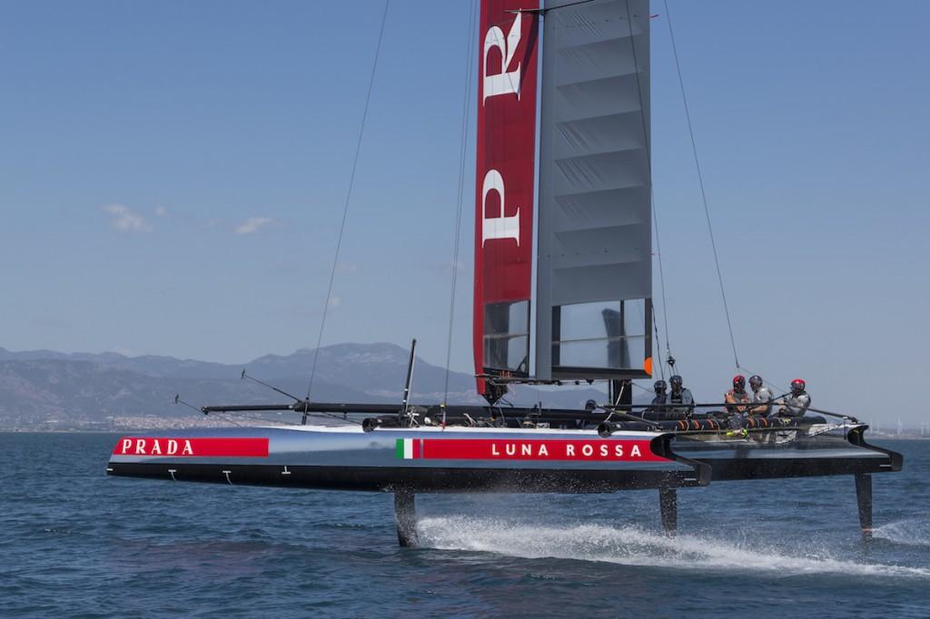 Luna Rossa AC45 in foiling a Cagliari. Foto Borlenghi