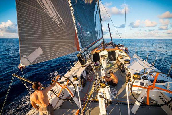 Alvimedica verso l'Equatore. Foto Ross