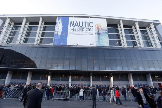 Maggioranza schiacciante per le aziende francesi che espongono alla 54esima edizione del salone nautico parigino. Sono 596 contro le 40 italiane, le 15 tedesche e le 10 spagnole. Il Salon Nautique ha perso appeal internazionale a favore di Cannes e La Rochelle