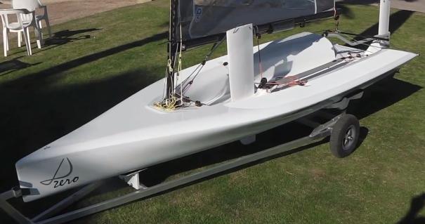 Lo scafo del D-Zero pesa solo 43 kg