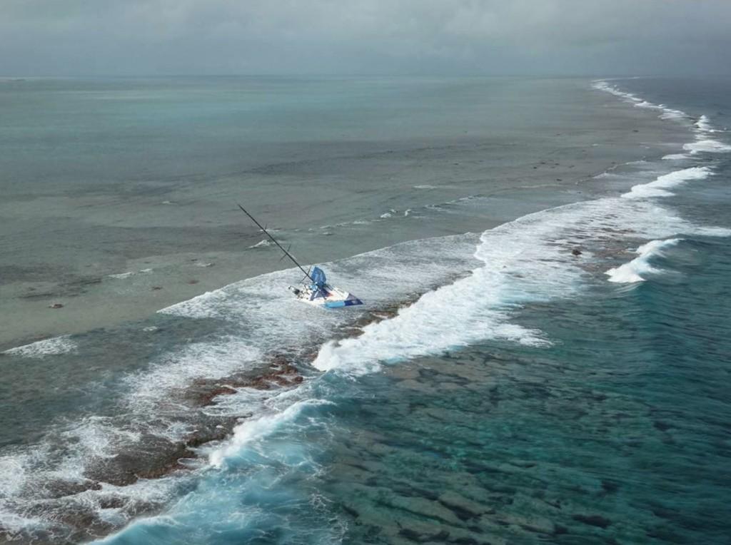 Foto con elaborazione grafica della posizione di Team Vestas sul reef di St. Brandon. Courtesy NCG Operations Room – MRCC Mauritius