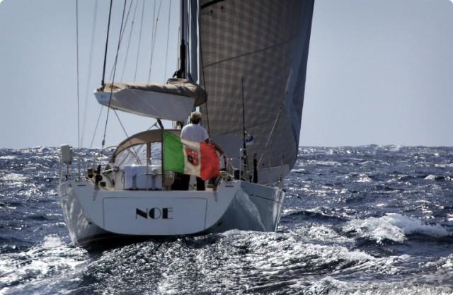 Il Solaris 48 Noe impegnato nella traversata dell'Atlantico