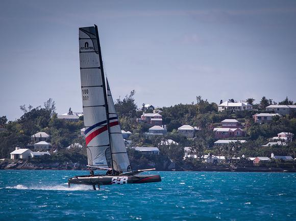 Il 20 piedi foiling cat di BAR alle Bermuda