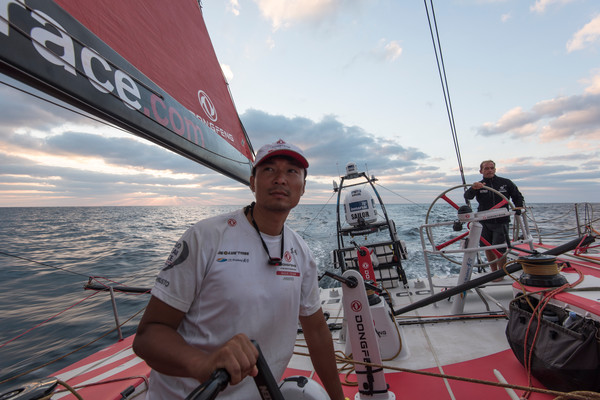 A bordo del leader Dongfeng. Foto Riou