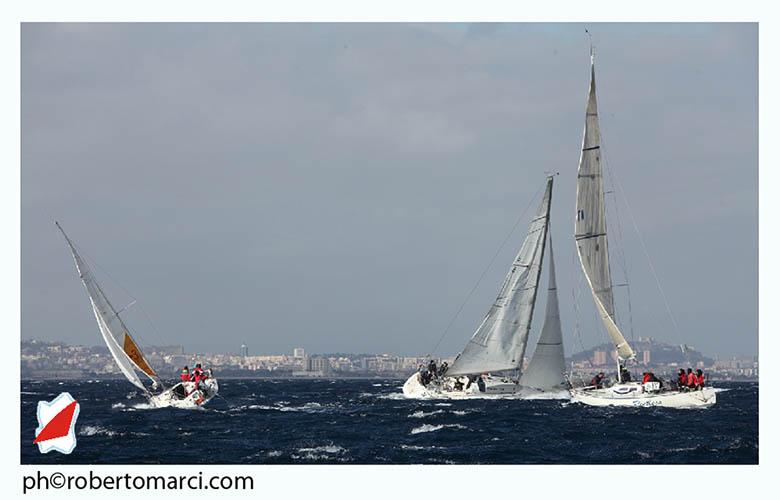 Condizioni dure a Marina di Capitana. Foto Roberto Marci