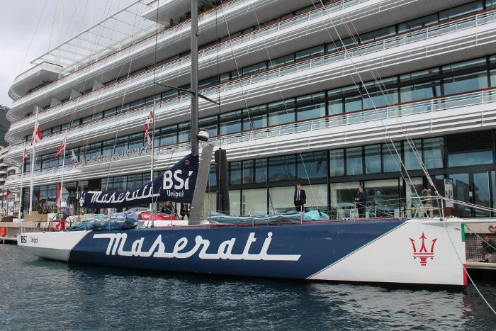 Maserati ormeggiata davanti la nuova sede dello YCM. Foto Giuffrè