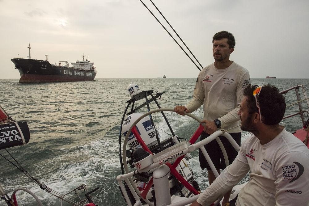 Dongfeng al passaggio da Singapore. Foto Greenfield