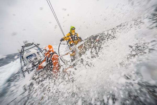 Alberto Bolzan timona in condizioni estreme in approccio a Capo Horn. Foto Ross
