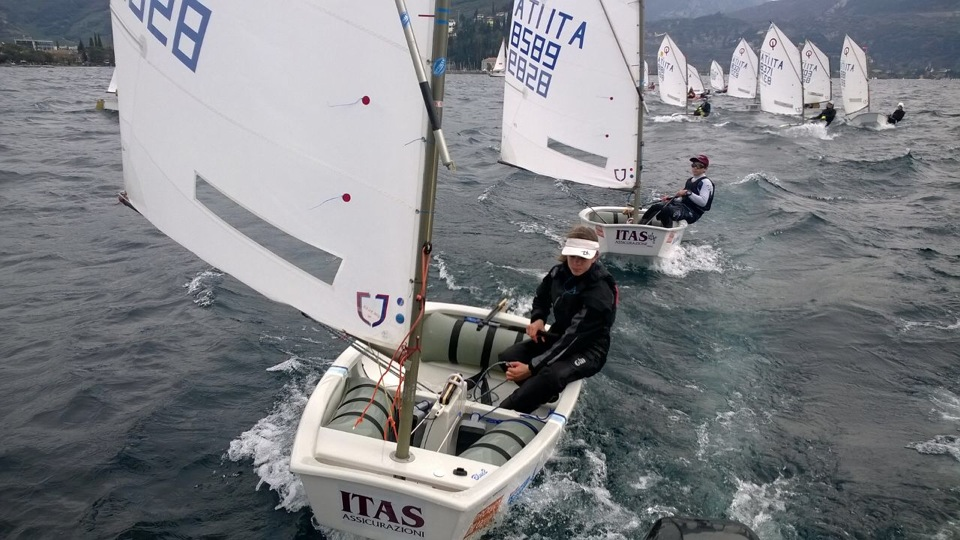 Optimist in allenamento per il Meeting. Foto Giolai