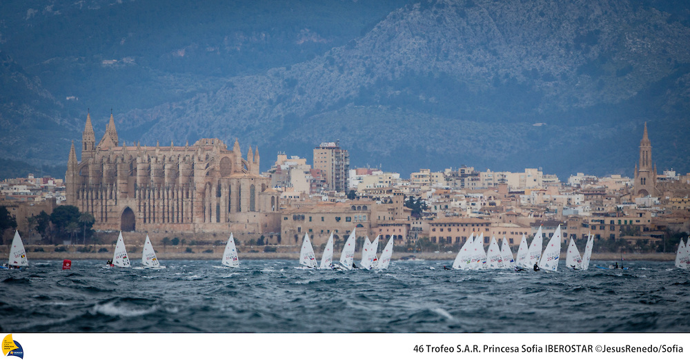 Laser in regata a Palma. Foto Renedo