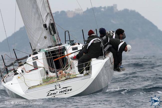 L'Italia 998 Low Noise II, dominatore delle regate di Alassio. Foto Carloni