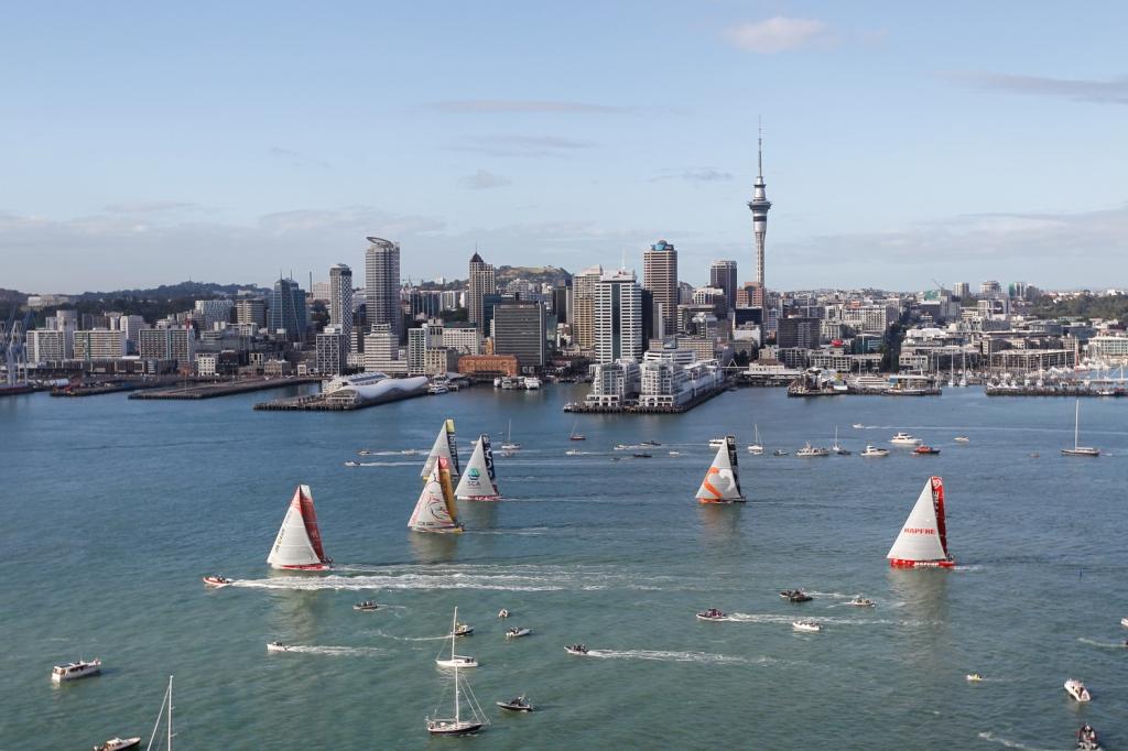 La partenza da Auckland, Foto Sànchez