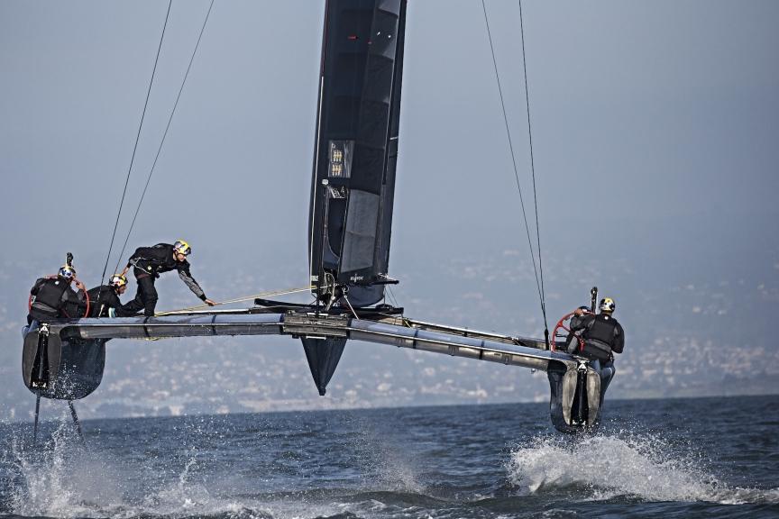 Il nuovo AC45 di Oracle Team USA a SF