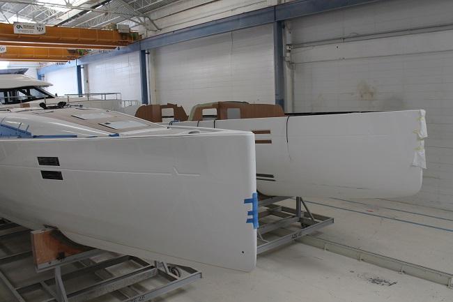 Due Azuree 46, uno già con la coperta incollata l'altro ancora in lavorazione. Foto Giuffrè