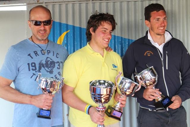 Il podio di Castiglione, da sinistra: Passoni, Savio e Voltolini. Foto Markus Wenk
