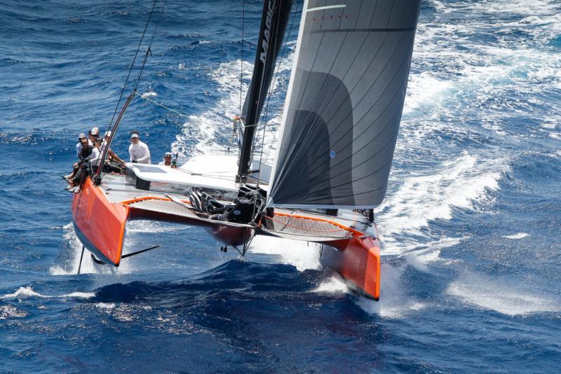 Il Gunboat G4 in foiling ad Antigua
