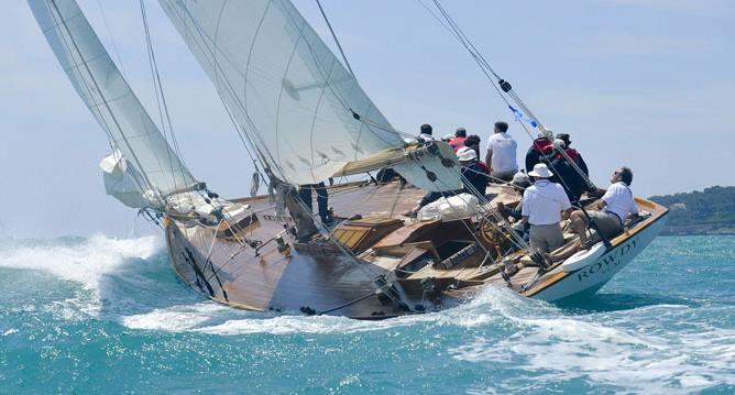 Troph e bailli de suffren da saint tropez a malta il for Il canotto a bordo degli yacht